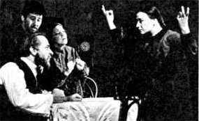 Поля - Л.Сапожникова, Татьяна - Э.Попова